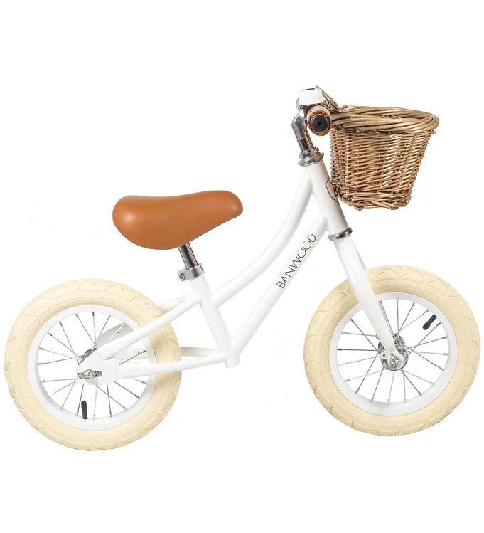 sød minicykel med kurv