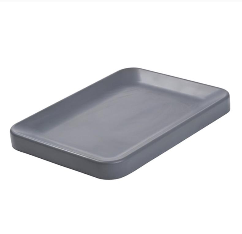 grå puslepude i skum